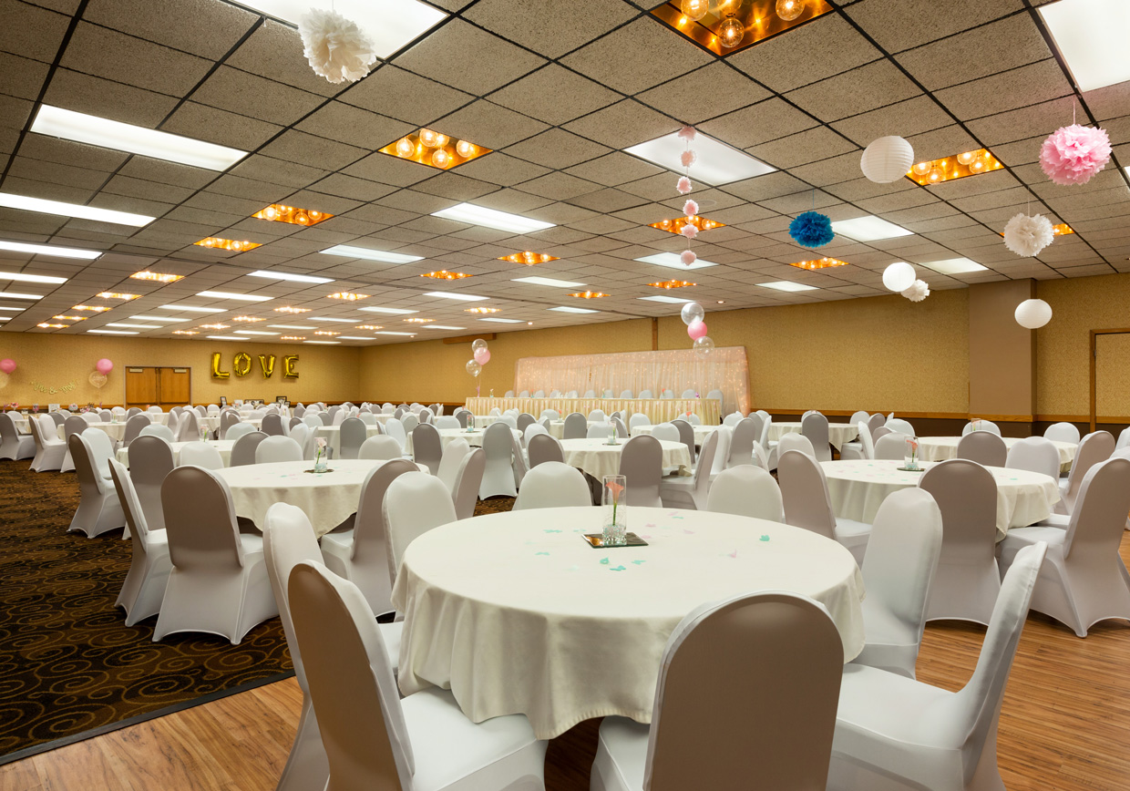 Ramada by Wyndham Bismarck Weddings